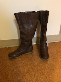 Boots size 8 brand new