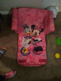 Minnie Mouse couch lounger Kansas City, 64127