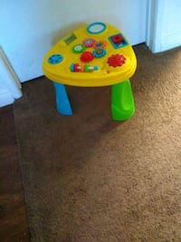 yellow and blue plastic table Riverside, 92503