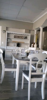 Gorgeous grey kitchen dining table