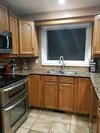 Kitchen counter tops, cabinets, stove ,microwave a Calgary, T2Y 2X3