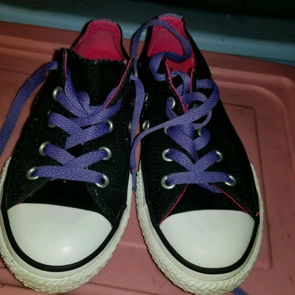 A pair of childs converse allstars good condition