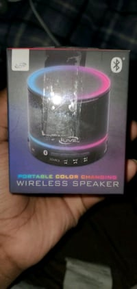 Portable Color Changing speaker (Bass)