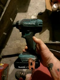black and green Makita cordless power drill Paterson, 07522