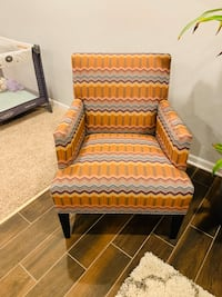 Crate and Barrel Chair Lisle, 60532