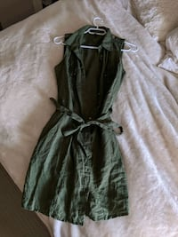 Green guess dress. Size small. Chestermere, T1X 1K2