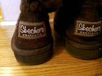 Skechers womans size 6 boots, great cond.
