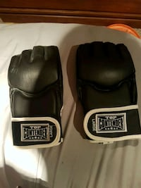 Top contender large gloves. Got as gift never used Mission, V2V 1J1