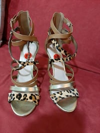 Women sandals.size 10 Ottawa, K2H 8H2