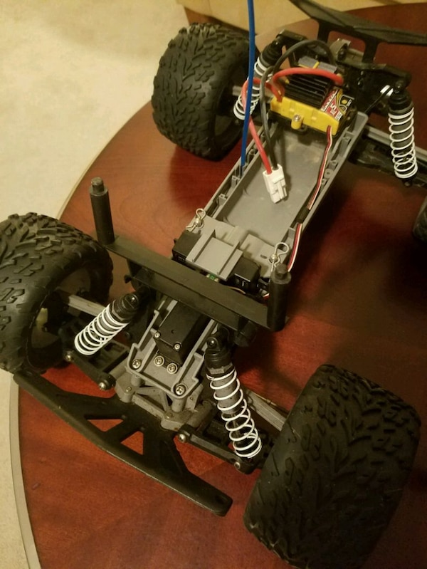 Traxxas Stampede 2wd 1/10 scale RC truck 2