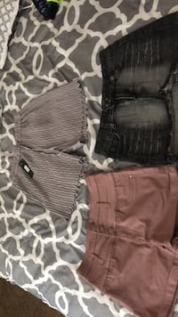 shorts and skirt black skirt size 7 pink ourple short size7/8 ans grey shorts size 1 but streches El Paso, 79912