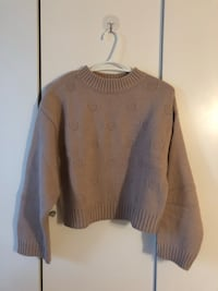 Textured knit sweater  Toronto, M2N 7L3