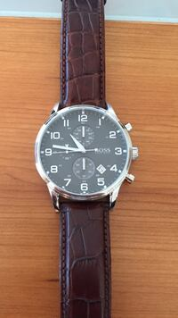 Studded black boss analog klokke Trondheim, 7020