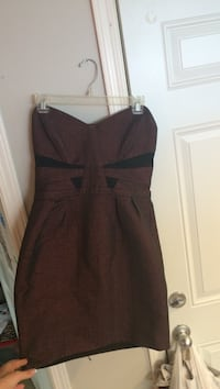 Dark red/purple strapless size medium Edmonton, T6C 1Y2