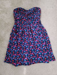 Size M dress Centreville, 20120