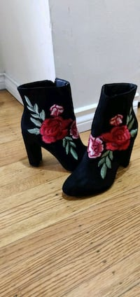 pair of black floral print boots Vancouver, V6G 2G6