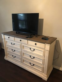 Beautiful brand new farmhouse dresser and two matching side tables! Delray Beach, 33484