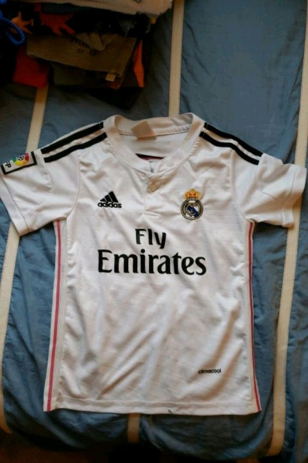 competitive price 4c3f3 740aa Child size small Real Madrid jersey