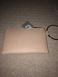 Tan bangle purse Vancouver, V5T 2H5