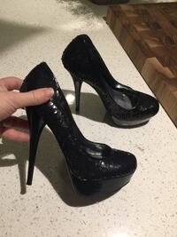 LikeNew Bakers 6M Black Sequined Very High Heeled Evening Pumps