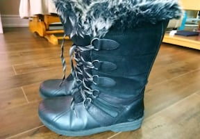 Rugged outback winter boots women