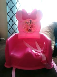 Babies pink Minnie Mouse booster seat