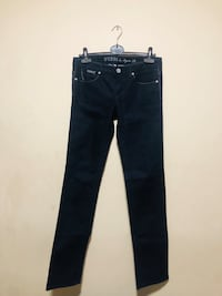 Guess Slim Straight Jeans Size 28 Toronto, M5T 1C7