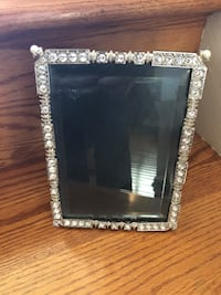 Crystal & Pearl Frame Excellent Condition ! Gainesville, 20155