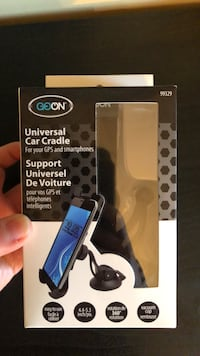 Universal Car cell phone holder -in box Toronto