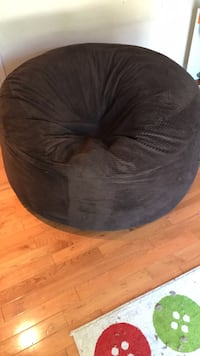 black and gray bean bag Toronto, M3B 2Z3