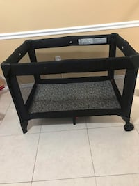 black and white travel cot Tampa, 33634