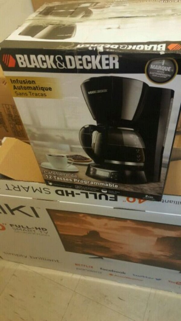 black and gray Hamilton Beach coffeemaker box. 0