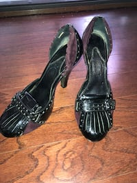 pair of black leather heeled shoes Marysville, 98271