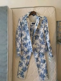 white and blue floral long sleeve jacket and pants Mount Rainier, 20712