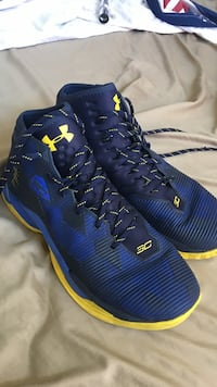 Under Armour, Blue/Yellow Curry 2.5's Mount Pleasant, 38474