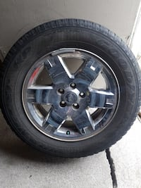 4 tires for Jeep with chrome rims. 873 km