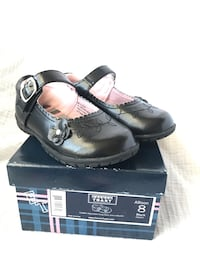 Girls shoes (size 8 & 9) Clarksville, 37043