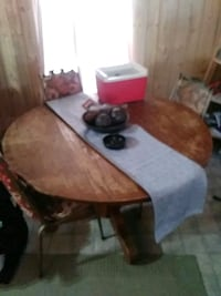 table and vintage Iron chairs Clinton, 37716