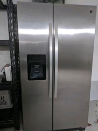 Kenmore side by side refrigerator/freezer