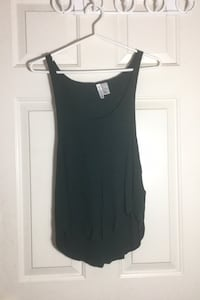 Women's size M/L tank top Forever 21 North Vancouver, V7L 4T1
