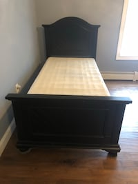 Blk twin bed with box spring  Bristol, 06010