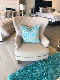 Tufted Accent chair  Houston, 77450