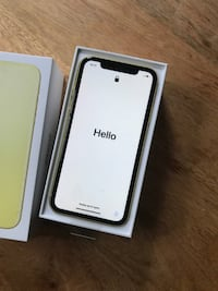 IPHONE 11 YELLOW 128G Vancouver