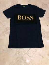 T-shirt girocollo stampata BOSS nera e marrone