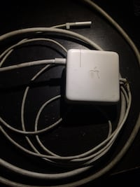 "Apple 60W MagSafe 1 for MacBook Pro 13"" Los Angeles, 90028"