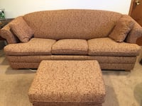 Brown and red floral fabric sofa Seattle, 98117