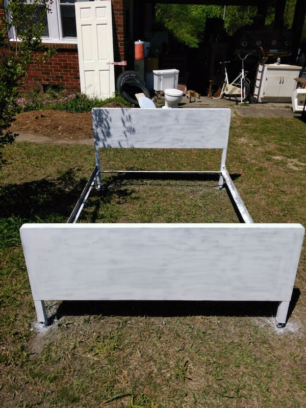 used antique metal twin bed for sale in conway letgo. Black Bedroom Furniture Sets. Home Design Ideas