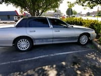 Lincoln - Town Car - 2003 Noblesville