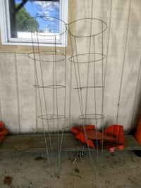 Tomato cages heavy duty 54 inches tall Round Hill, 20141