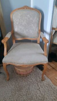 Fauteuil Chair ; french inspired  Longueuil, J4J 1M2